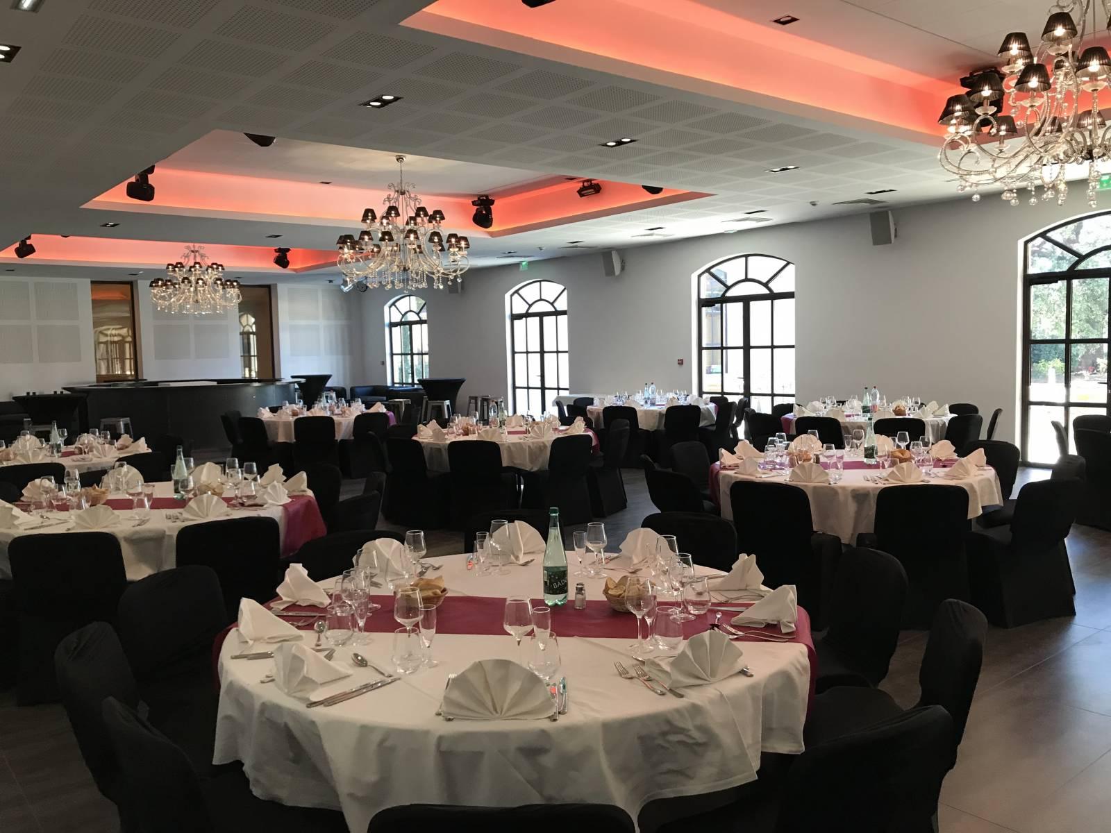 Vous Cherchez Un Traiteur Pour Organiser Vos Diners De Gala A
